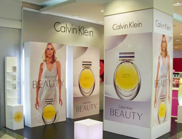 stand_calvin_klein_beauty_eci_lx