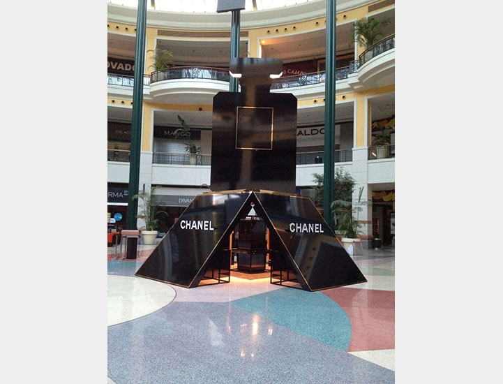 _stand_chanel_coco_noir_cc_colombo14