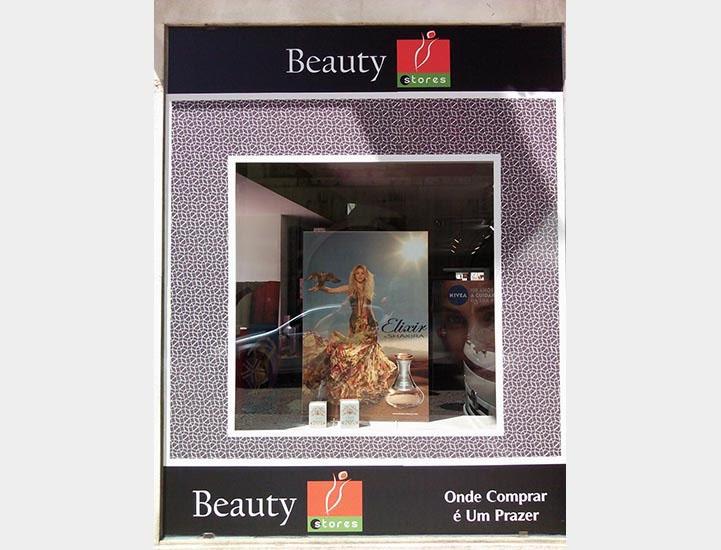 shakira_nas_beauty_stores
