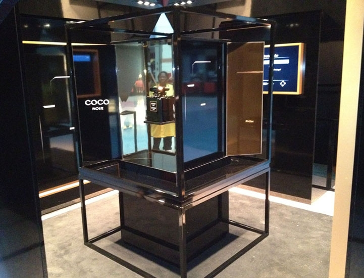 stand_chanel_coco_noir_cc_colombo4